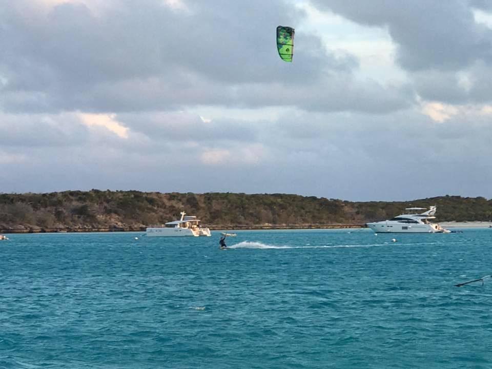 Kite surfer Shroud Cay