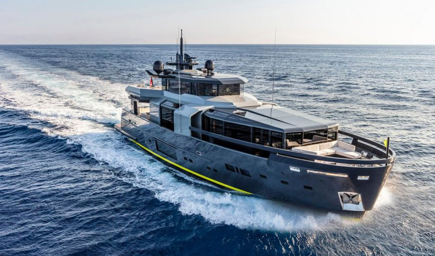 Winner Semi-Displacement or Planing Motor Yachts 30m to 32.9m - M/Y RJ Source: Boat International